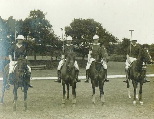 1920 - Polo Team