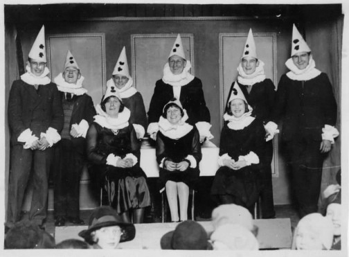 1931 - The Pierrot Troupe